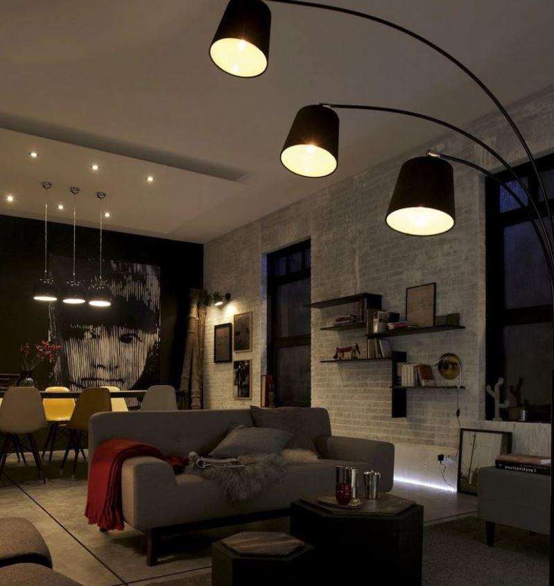 Lampadaire Design Noir Et Trois Fois Plus Lumineux –
