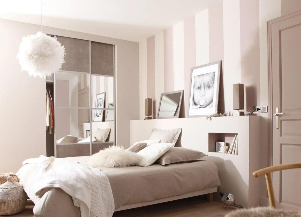 Chambre Moderne Avec Placards Muraux