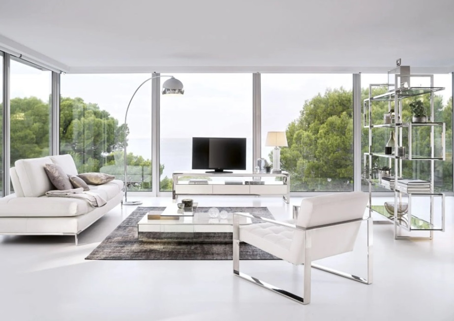 Salon Moderne D'un Blanc Immaculé