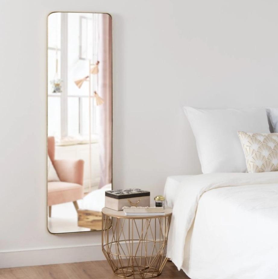Grand Miroir Pour Une Chambre Moderne