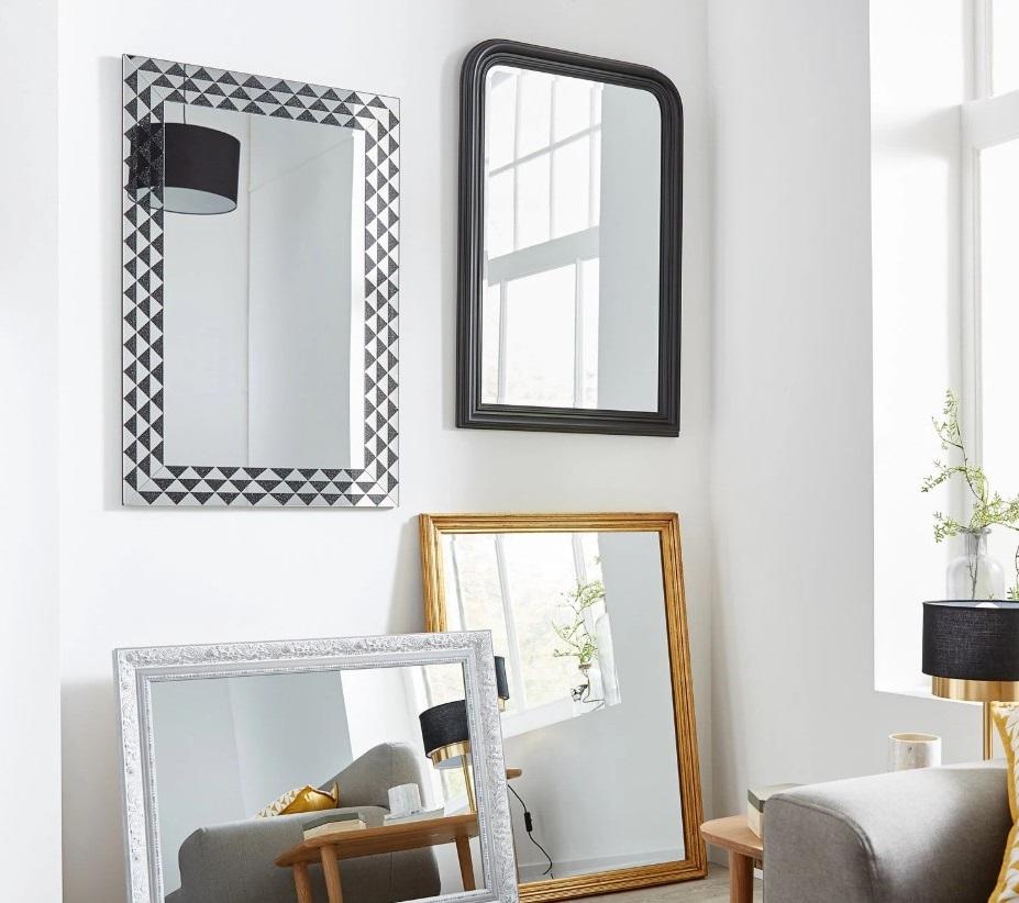 Assortiment De Miroir Pour Un Effet Graphique