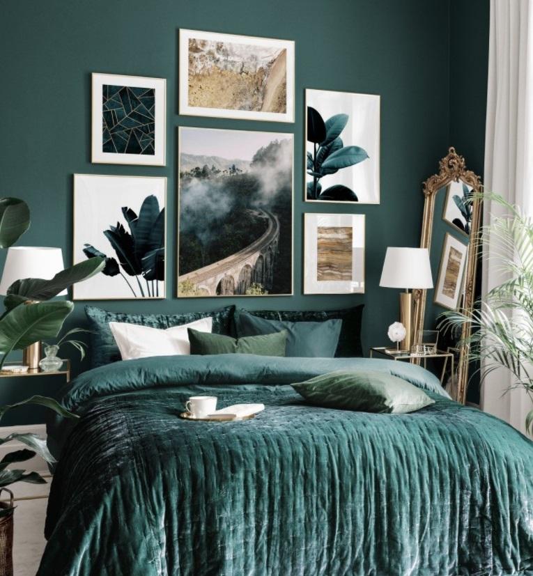 Superbe Décoration Murale Dans Cette Chambre Bleu Canard