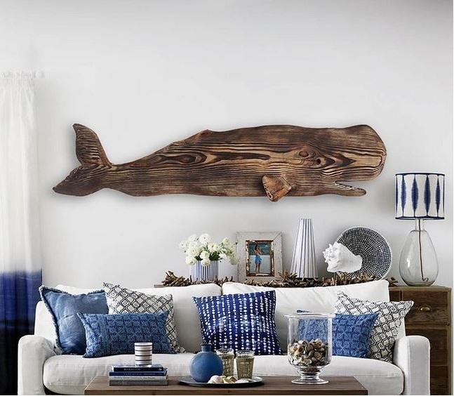 Baleine En Bois Flotté –