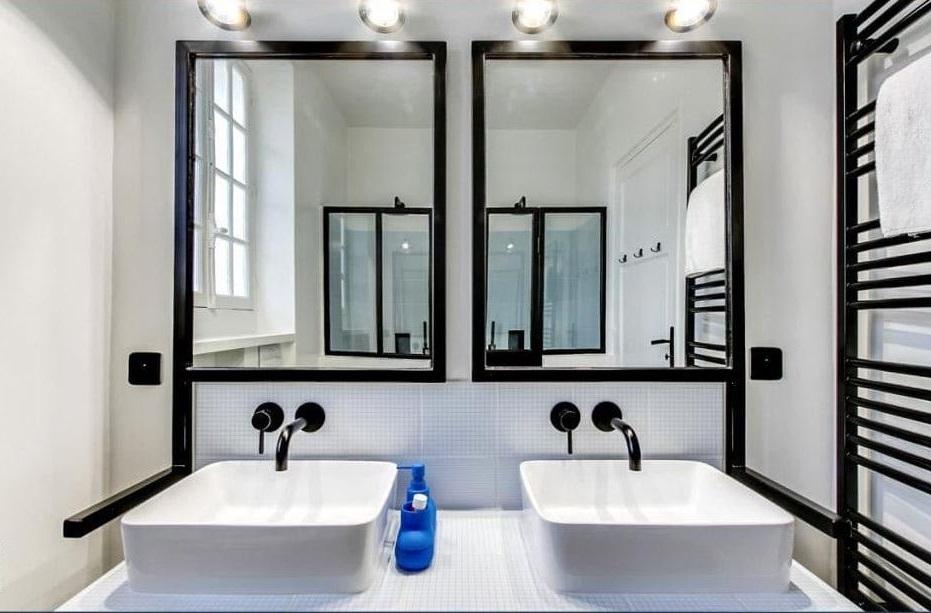 Du Noir Et Du Blanc Pour Une Salle De Bain