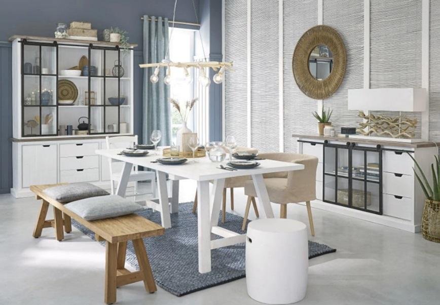 Table Savina