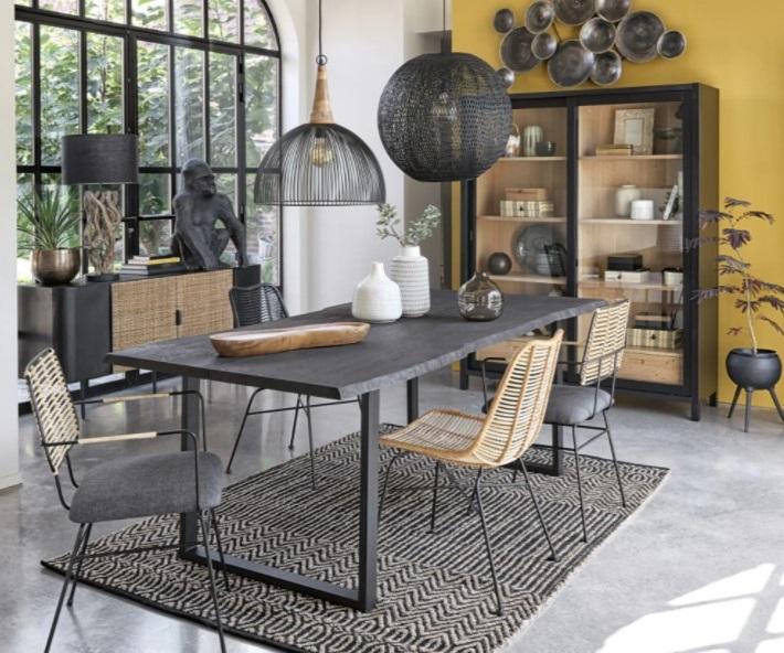 Table Leone