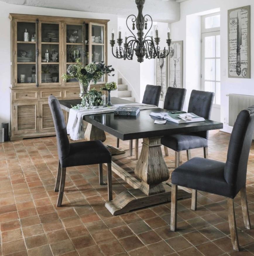 Table Lourmarin